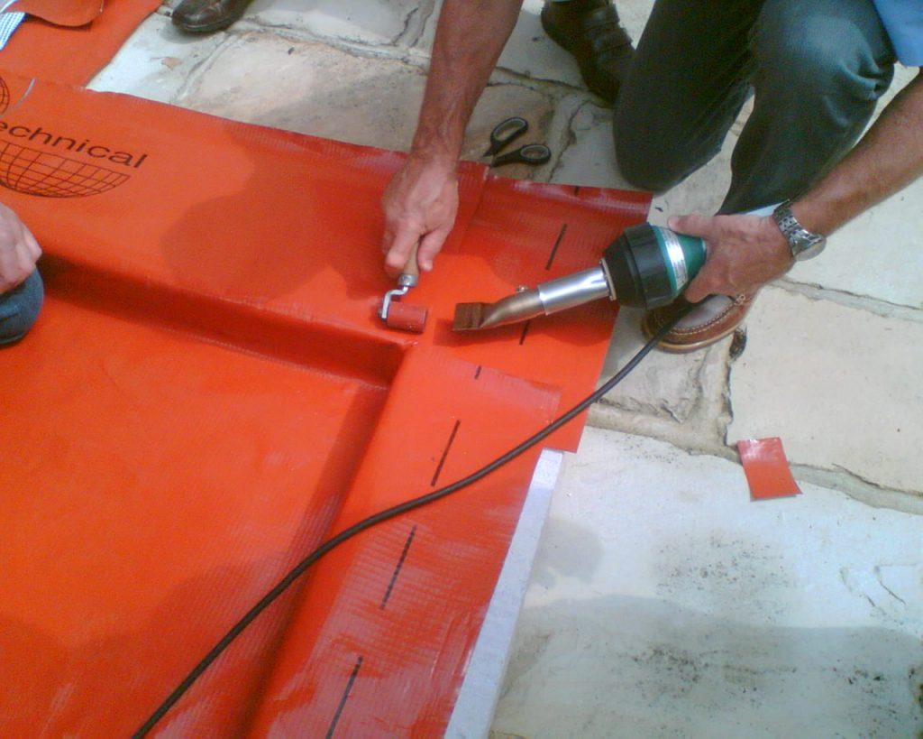 Installation training extruding internal corner